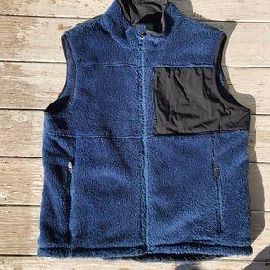 L.L.BEAN lambs fleece/black nylon/zip pockets